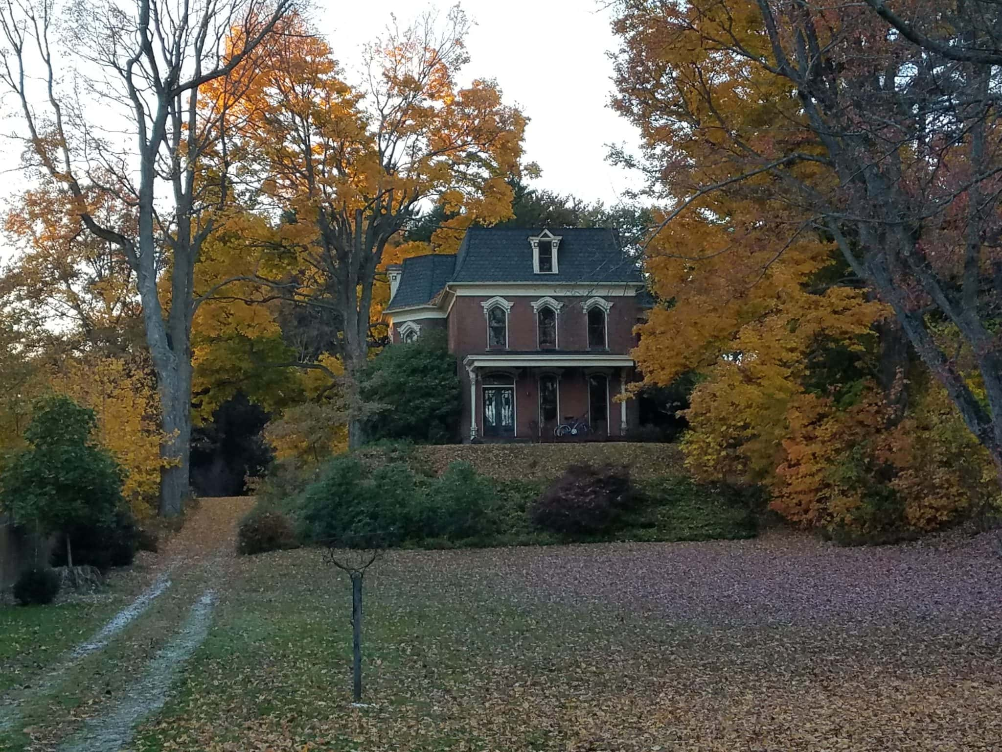 A late 1800s home, many homes like this exist in the areas surround Akron and Cleveland.